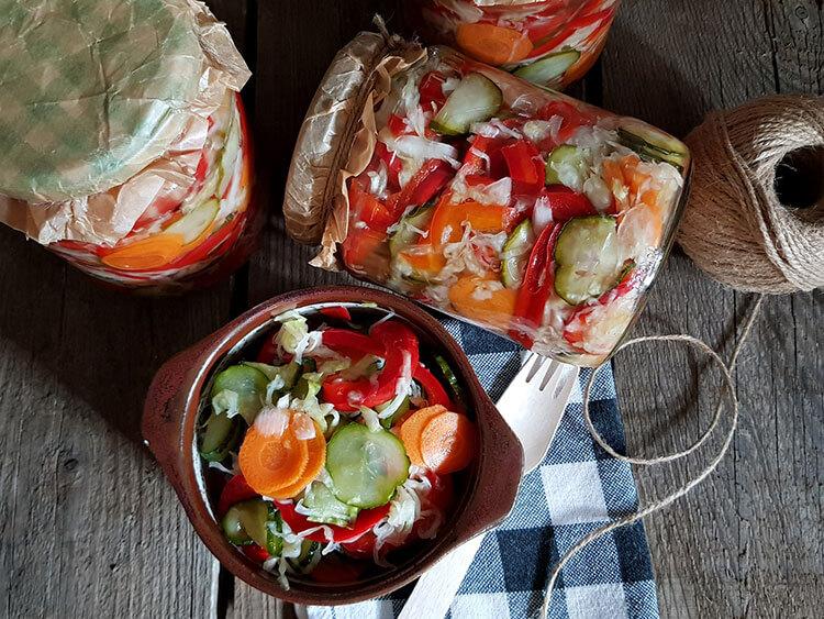 Salata Olteneasca-Ciolomada