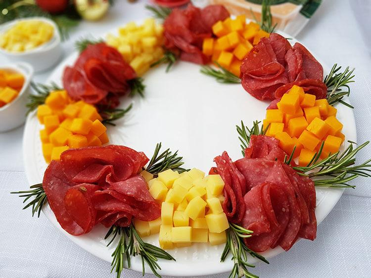 Coronita festiva cu branzeturi