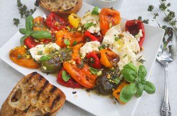 salata de ardei copti cu mozzarella